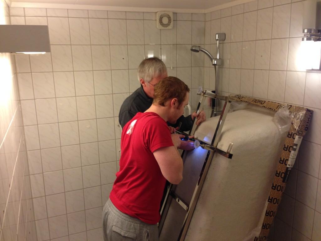 Montering av badekar.
